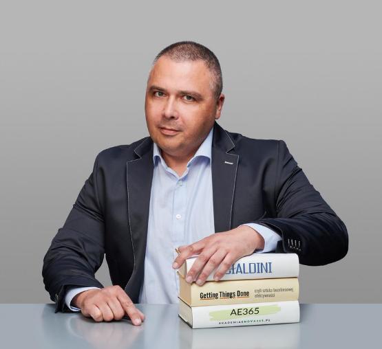 Mariusz Wiśniewski ekspert enova365