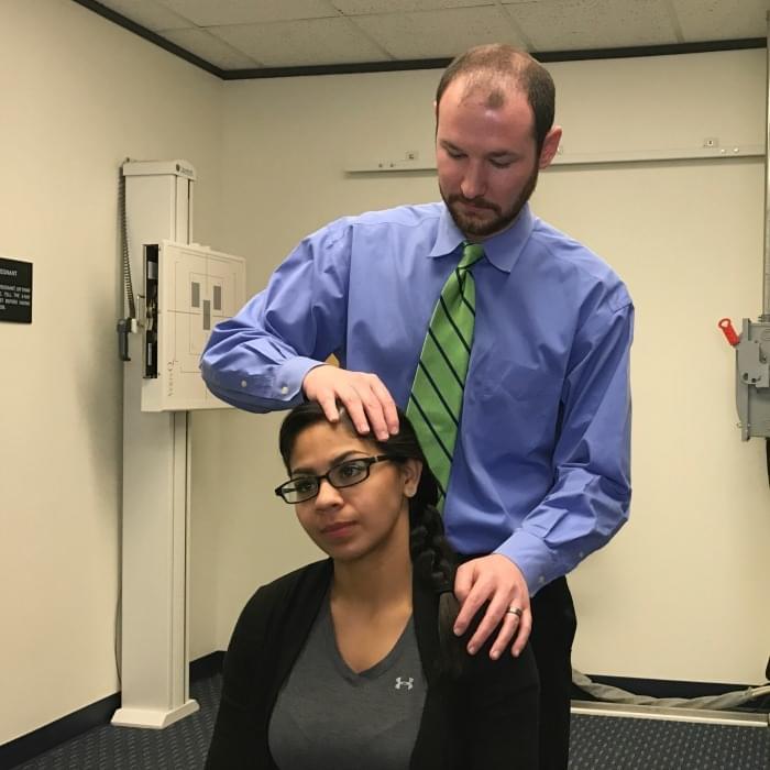 chiropractor 77079