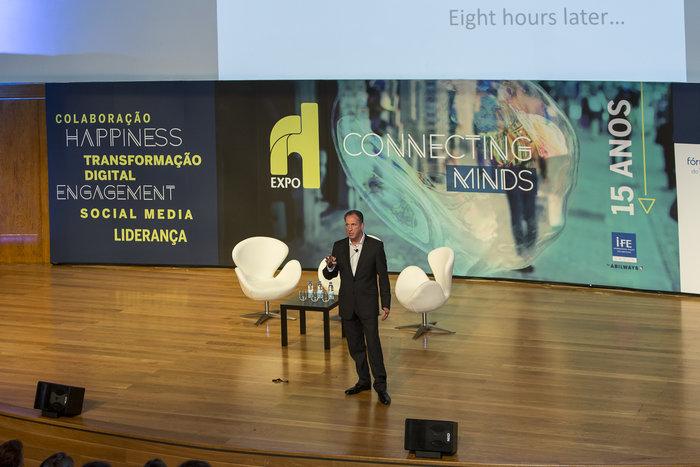 Philip Calvert - Professional Speaker on Social Media & LinkedIn expert